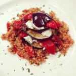 aubergine-met-geroosterde-paprika-en-quinoa-naareigensmaak
