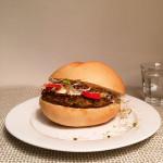 kip-spruitjesburger-met-appelmayo-naareigensmaak