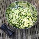 courgette-spaghetti-met-rucolapesto-spiraalsnijder-naareigensmaak