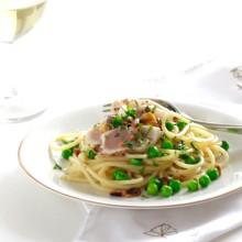 pasta-met-tonijn-en-pistache