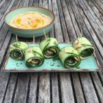 komkommerrolletjes met hummus naareigensmaak