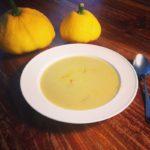 gele courgettesoep met saffraan naareigensmaak